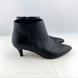Clarks Collection Linvale Sea Bootie Black Leather